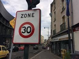 Lille one month after its installation, the limitation to 30km h is it respected